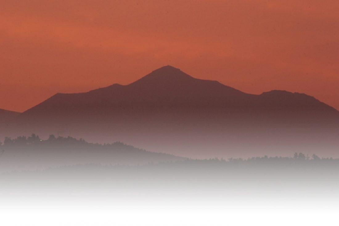 曽於市から見た霧島